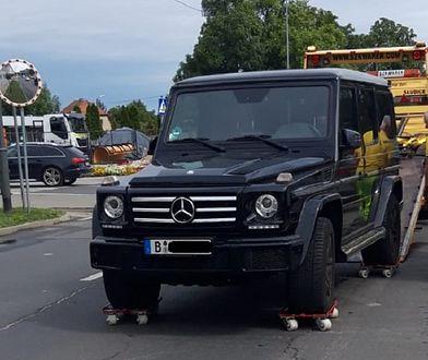 Pogranicznicy odzyskali wart 300 tys. samochód. Mercedes stał na skradzionych tablicach