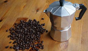 Ukarana firma kusiła nowoczesnym ekspresem do kawy, który ostatecznie okazywał się kawiarką