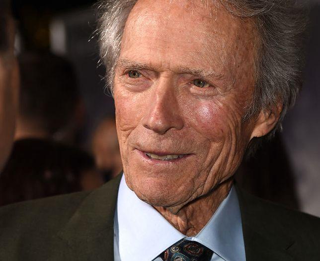 Eastwood ma 8 dzieci z 6 różnymi kobietami.
