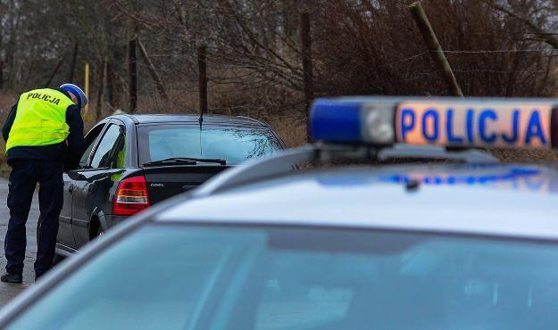 Pijany uderzył samochodem w… radiowóz