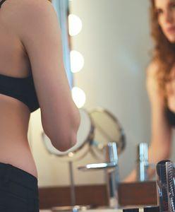 Patrzysz w lustro i widzisz same wady? Tak zaczyna się poważna choroba
