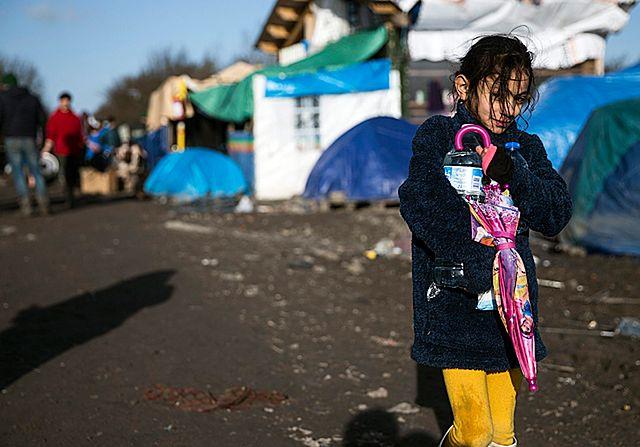 """Francja mówi """"nie"""" kontyngentom uchodźców. Co na to inni?"""