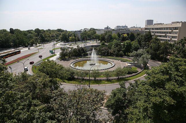 Warszawa, Plac Na Rozdrożu. Fot. Rafał Guz, PAP
