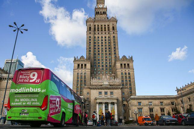 Koronawirus. Warszawa. Firma ModlinBus zwolniła wszystkich pracowników