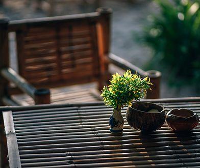 Jak czyścić drewniane meble ogrodowe?