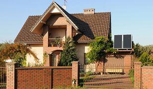 Budowa domu w czasach kryzysu. Inwestycja w trwałe materiały budowlane