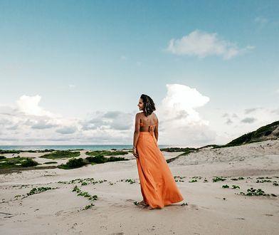 Sukienki letnie inspirowane stylem gwiazd - te modele najchętniej wybierają celebrytki!
