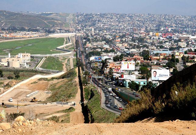 Nietypowe granice pomiędzy państwami - Stany Zjednoczone-Meksyk