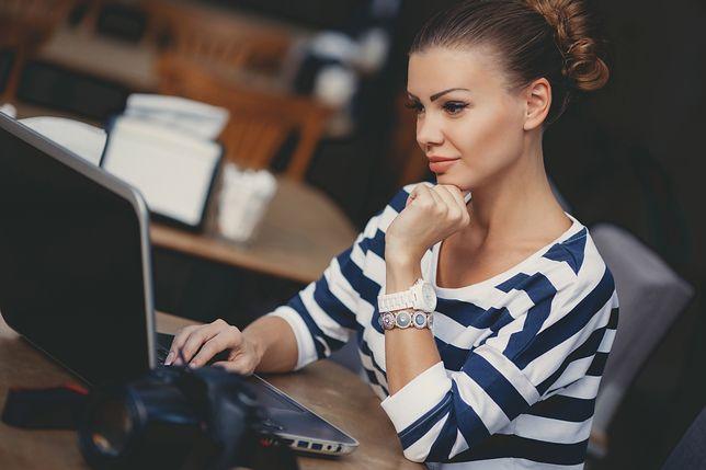 Soczewki kontaktowe a praca przy komputerze