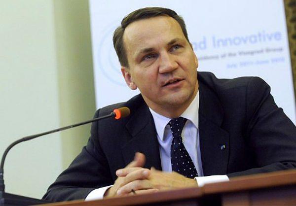 Sikorski: Polska podjęła optymalną decyzję ws. ACTA