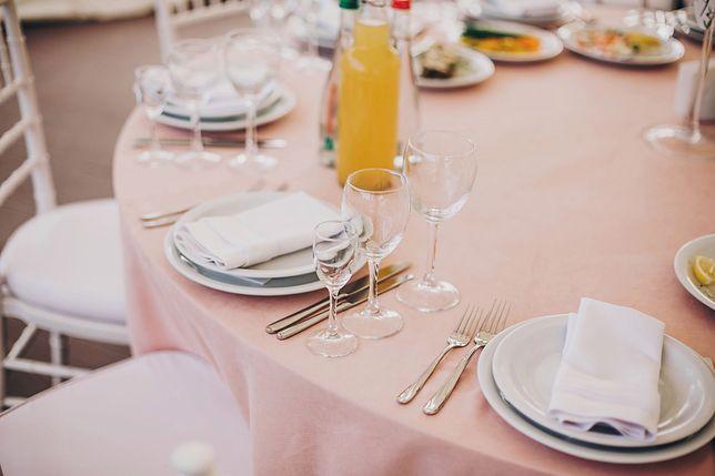 Wiele osób cierpi na weselach z powodu menu.