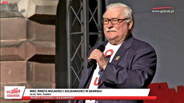 4 czerwca. Wałęsa na Długim Targu w Gdańsku: zostawiam wam swojego syna, by kontynuował moje dzieło