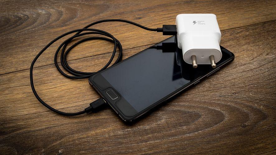 Qualcomm wprowadza Quick Charge 5, fot. Pixabay
