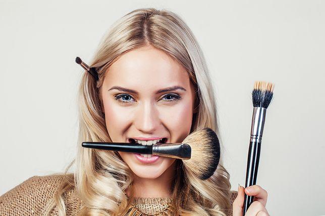 Jak przerobić lekki dzienny makijaż na wieczorowy bez zmywania – poradnik dla zabieganych
