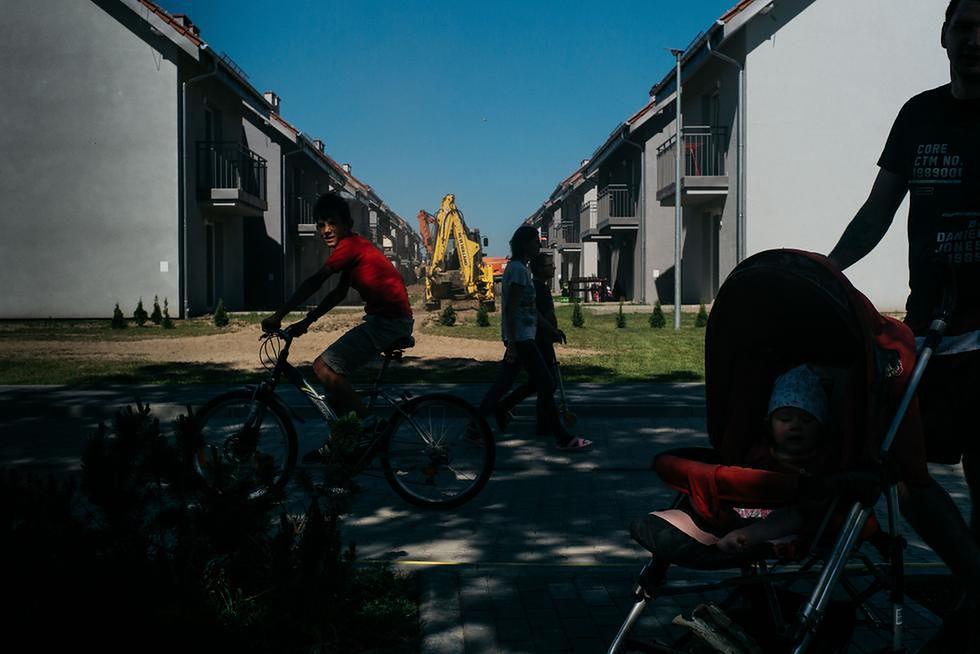 Mieszkanie+ wielkim bublem. Bloki zalane przez pola kukurydzy, jedna rodzina już się wyprowadziła