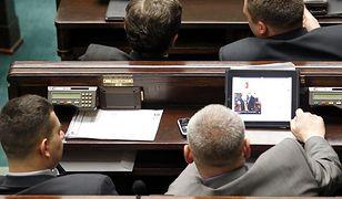 Sejm. Nowe tablety mają mieć system operacyjny zgodny z iOS