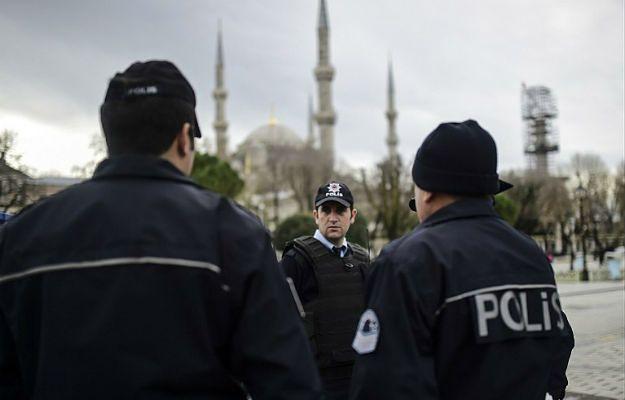 Policjant i pięciu żołnierzy zginęło w zamachu w Turcji