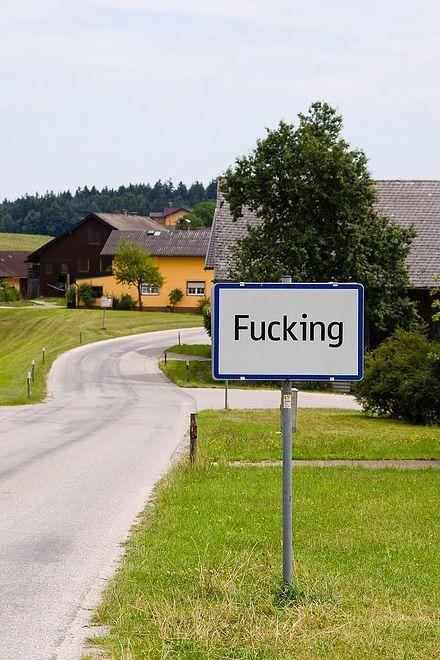 Mieszkańcy Fucking w Austrii są zmęczeni kradzieżami znaku z nazwą miejscowości