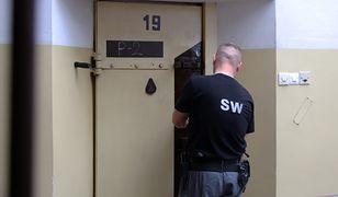 Strażnicy więzienni - wzorem policjantów - przechodzą na zwolnienia lekarskie