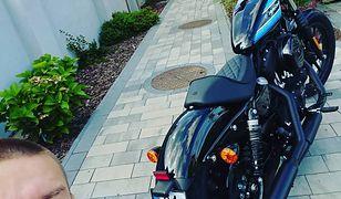 Marek Hoffmann ma nowy motocykl. Do jego garażu trafił harley