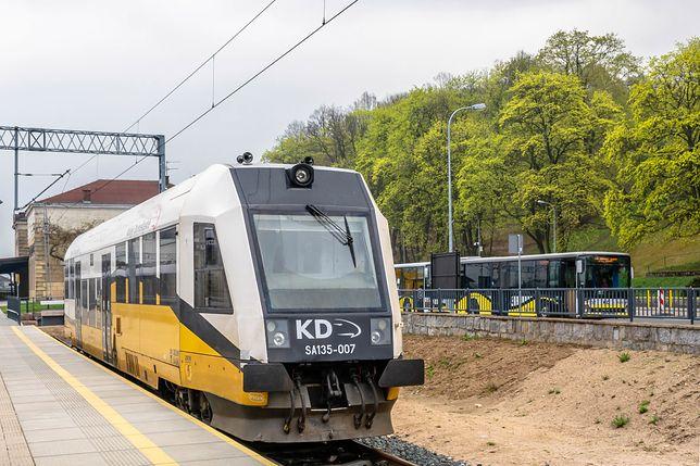 W przetargu na nowe pociągi hybrydowe i elektryczne dla Kolei Dolnośląskich zgłosiły się 2 firmy - PESA i NEWAG.