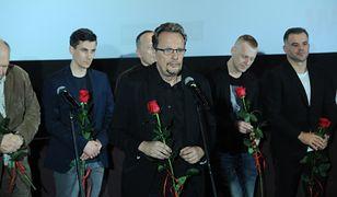 """Twórcy na uroczystej premierze filmu Adama Sikory pt. """"Autsajder"""". Film w kinach od 13 grudnia"""