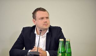 """Michał Tusk złożył zeznania ws. wybitej szyby. """"To przez poglądy ojca"""""""