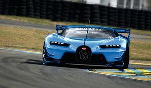 """Dwa """"białe kruki"""" Bugatti mają nowego właściciela. Chiron i Gran Turismo pojechały do Arabii Saudyjskiej"""