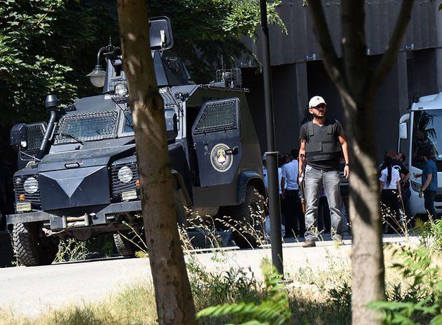 Patrol tureckiej policji w Stambule.