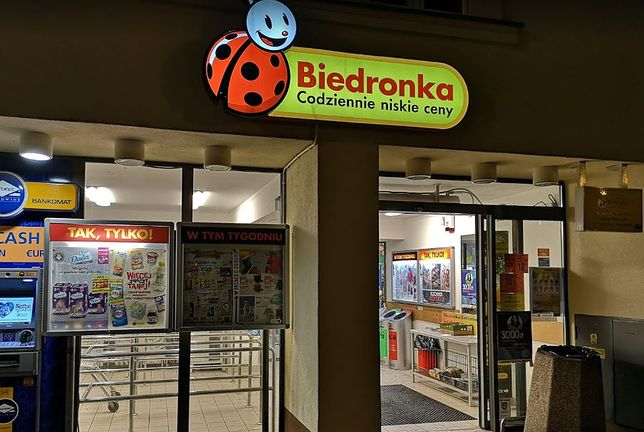 Kraków. Biedronka. Ochroniarz zaatakował jednego z klientów