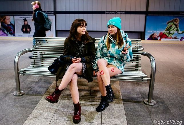 """Pojadą metrem bez spodni. """"Może policjanci do nas dołączą"""""""