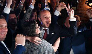 """""""Dzisiaj Rzeszów, jutro cała Polska""""? Co dla opozycji oznacza wygrana Konrada Fijołka"""