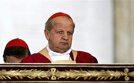 Kardynał Dziwisz: nie chodzi o bogacenie się Kościoła