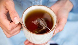 Gorąca herbata sprzyja rozwojowi raka przełyku.