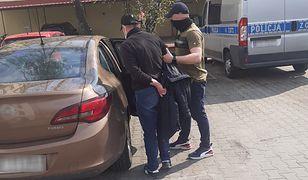Warszawa. Seryjny włamywacz z Mokotowa zatrzymany. Okradł przynajmniej siedem mieszkań