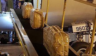 Walizki wypełnione kokainą były przemycane rosyjską pocztą dyplomatyczną