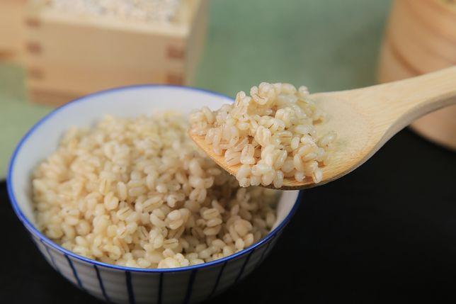 Kasza jęczmienna to bardzo dobry dodatek do tradycyjnych dań obiadowych, ale może także stanowić bazę posiłku. Przepisy z kaszą jęczmienną