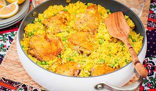 Jednogarnkowa ryżowa potrawka z kurczakiem