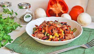 Duszona pierś kurczaka z warzywami