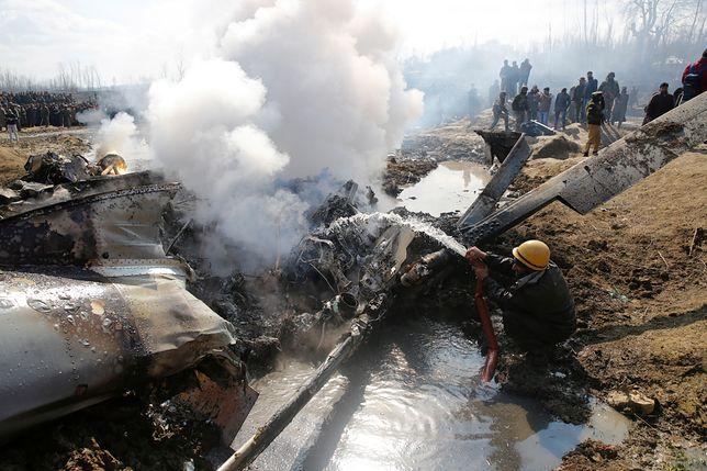 Miejsce strącenia indyjskiego samolotu po indyjskiej stronie Kaszmiru