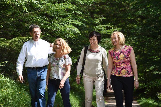 Szczyt G7. Mąż Angeli Merkel dba o rozrywkę dla żon polityków