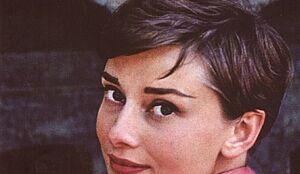 Audrey Hepburn. Uosobienie elegancji