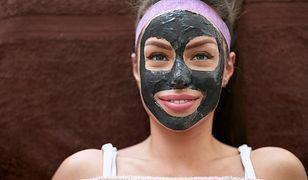 Kosmetyczne właściwości węgla aktywnego nie kończą się na maseczce