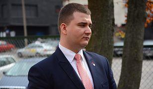 Bartłomiej Misiewicz stracił prawo jazdy za zbyt szybką jazdę po Warszawie