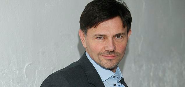 Krzysztof Ibisz: odmłodniał i spoważniał. Czyżby?