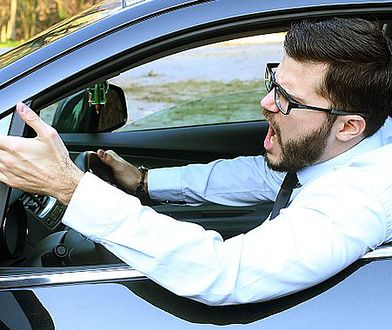 Agresja na drodze: czym jest i jak sobie z nią radzić?
