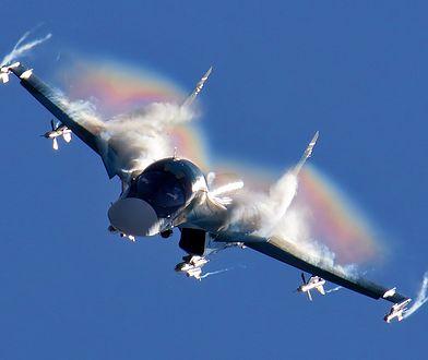 Su-34. I ty możesz wyprzedzić samolot naddźwiękowy! Ale tylko w Rosji na autostradzie