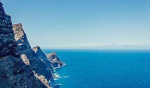 Krajobraz wyspy Gran Canaria od strony skalistego wybrzeża