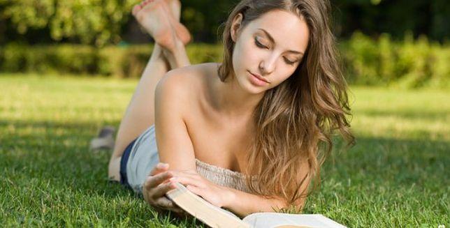 Twoja partnerka ma taką książkę? Koniecznie ją schowaj!
