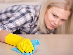 Coraz więcej Polaków zatrudnia pomoce domowe